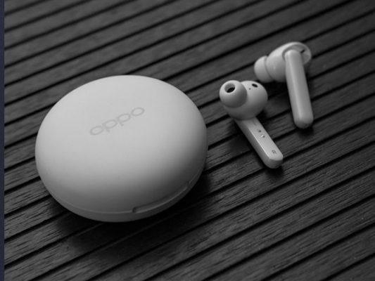 DAnh giA tai nghe Oppo Enco W31 3